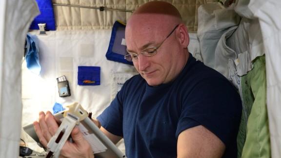 NASA astronaut Scott Kelly performs the Fine Motor Skills Test.