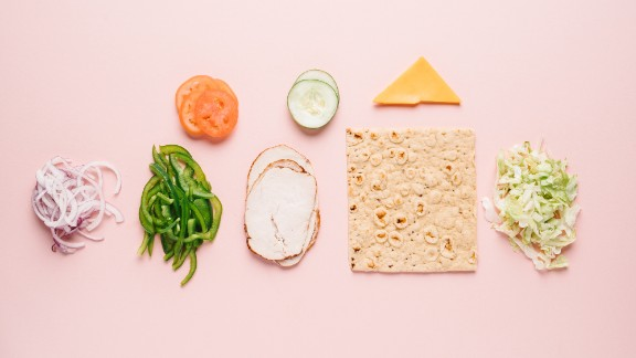 Our top low-sugar pick is the turkey breast sandwich with cheddar cheese on toasted multigrain flatbread, which has only 5 grams of sugar.