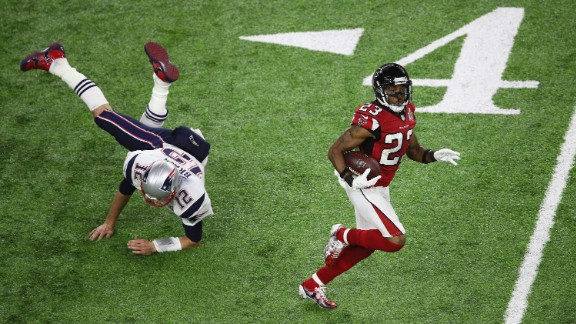 Brady tries to tackle Atlanta