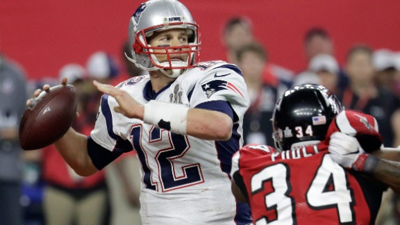 Brady prepares to pass in the second half.