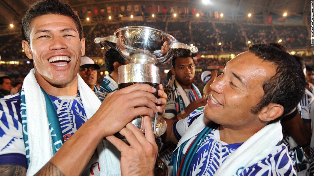 Tietjens takes over a Samoa team whose only world series title was in the 2009-10 season. Here Mikaele Pesamino (C) and Paul Chan Tung (R) celebrate with the trophy after beating New Zealand in the Hong Kong Sevens final.