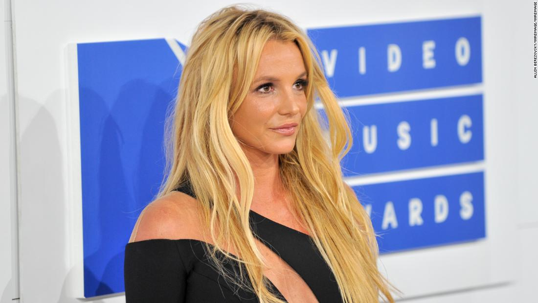 Britney Spears Leaves Therapy Facility