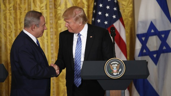 WASHINGTON, DC - FEBRUARY 15:  U.S. President Donald Trump (R) and Israel Prime Minister Benjamin Netanyahu (L) shake hands during a joint news conference at the East Room of the White House February 15, 2017 in Washington, DC. President Trump hosted Prime Minister Netanyahu for talks for the first time since Trump took office on January 20.  (Photo by Win McNamee/Getty Images)