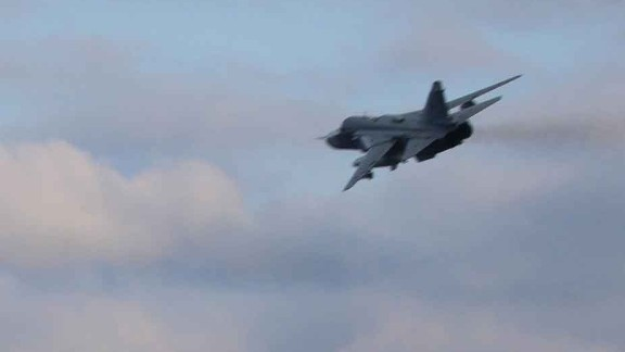 """Another view of one of the two Russian Su-24 jets that """"buzzed"""" the USS Porter."""