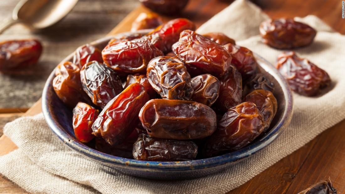 Whole dates are a good source of several key nutrients, including potassium, manganese, magnesium, copper, calcium, iron, B vitamins, vitamin K and antioxidants. However, the nutrient amounts in a teaspoon of date sugar are minimal.