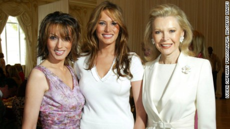 Melania Trump with her sister, shown on the left.