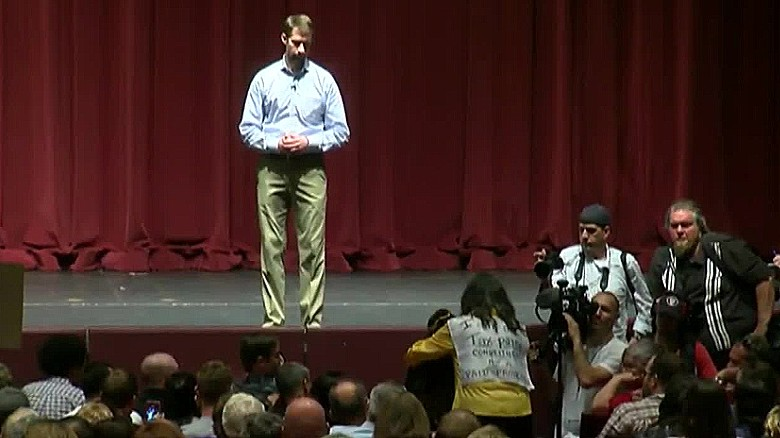 tom cotton town hall ignores obamacare question sot _00000000