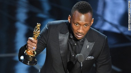 HOLLYWOOD, CA - FEBRUARY 26:  Actor Mahershala Ali accepts Best Supporting Actor for 'Moonlight' onstage during the 89th Annual Academy Awards at Hollywood & Highland Center on February 26, 2017 in Hollywood, California.  (Photo by Kevin Winter/Getty Images)