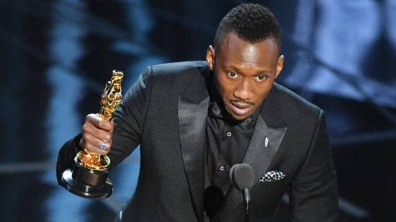 Mahershala Ali accepts the best supporting actor Oscar for
