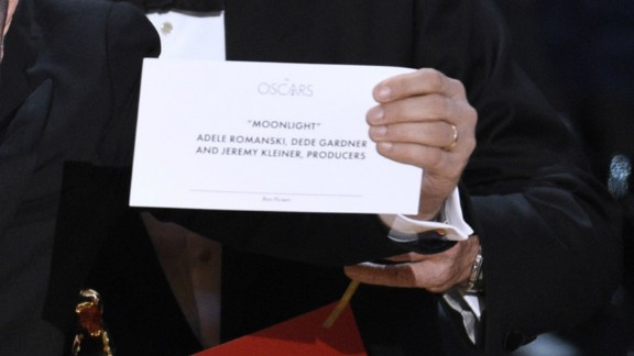 "The card reading ""Moonlight"" for best picture"