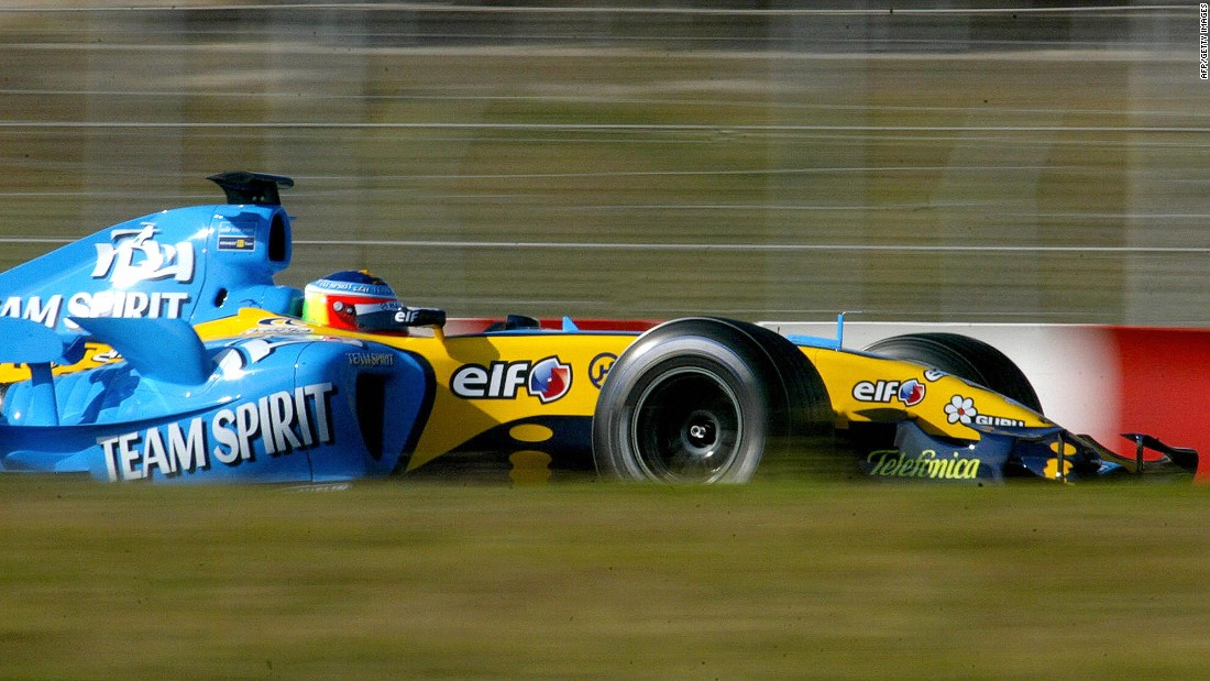 Lopez was a Formula One test driver for Renault during the 2006 season, clocking up an impressive 10,000 kilometers (6,200 miles).