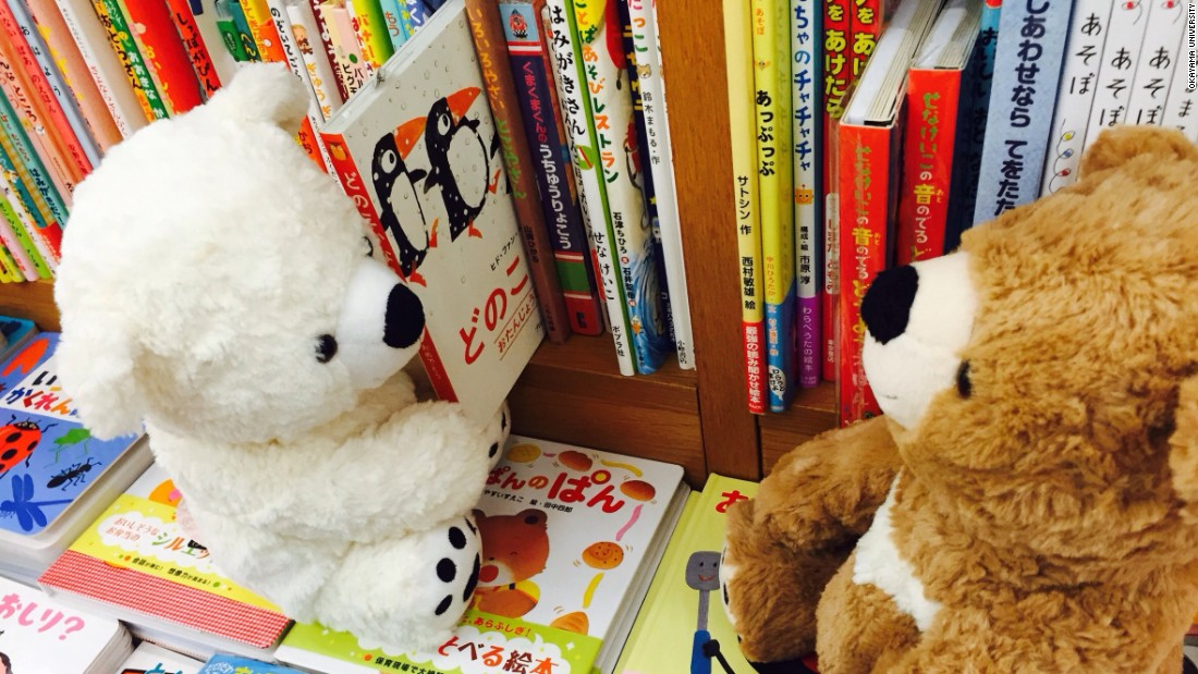 Story highlightsStuffed animal sleepovers encourage kids to read, researchers findOne expert says to make reading a part of your child's daily activit