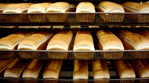 Loaves if Wonder Bread are cooled before being sliced and bagged at the Hostess Brand Inc. bakery in Sacramento, California, U.S., on Thursday, March 10, 2011. Hostess Brand Inc.'s Wonder Bread, one of the first companies to distribute bread in sliced form, celebrates its 90th anniversary in March of 2011. Photographer: Ken James/Bloomberg via Getty Images