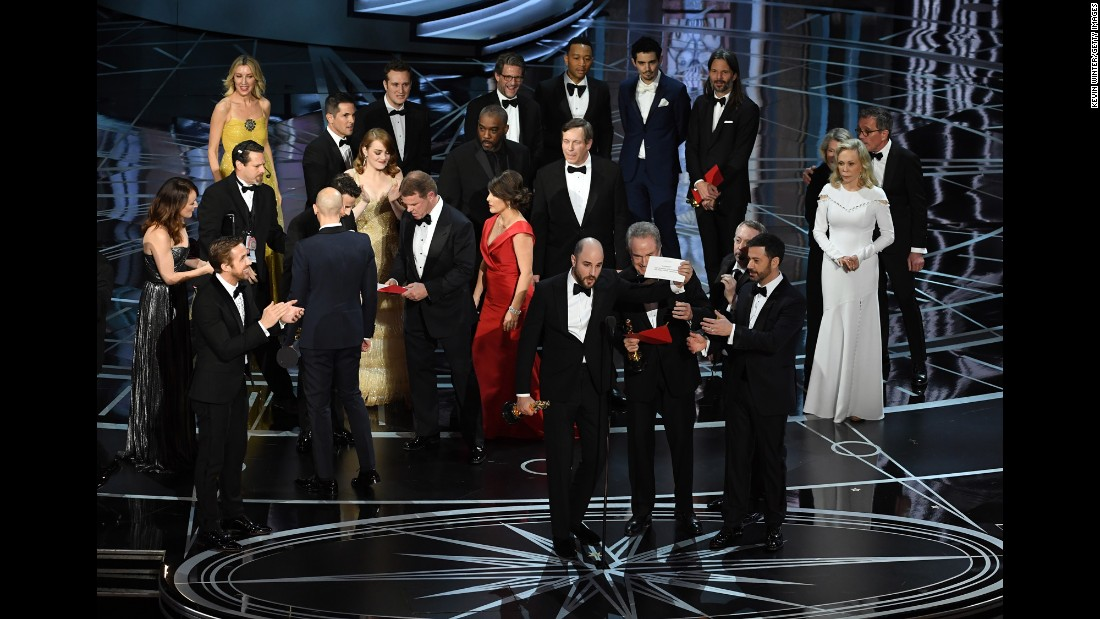 """La La Land"" producer Jordan Horowitz holds up the winner card to the audience, proving that there was a mistake and that ""Moonlight"" had actually won the Academy Award for best picture on Sunday, February 26. ""La La Land"" was initially announced as the winner, but presenter Warren Beatty explained to the crowd that he was given the wrong envelope. <a href=""http://www.cnn.com/2017/02/27/entertainment/gallery/oscar-announcement-mistake/index.html"" target=""_blank"">See how the scene unfolded</a>"