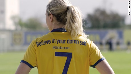 Midfielder Lisa Dahlkvist wears a shirt emblazoned with a tweet by singer Zara Larsson.