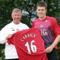 Michael Carrick signs for united