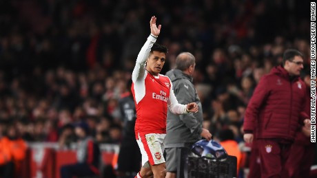 LONDON, ENGLAND - MARCH 07:  Alexis Sanchez of Arsenal waves to the crowd as he is substituted during the UEFA Champions League Round of 16 second leg match between Arsenal FC and FC Bayern Muenchen at Emirates Stadium on March 7, 2017 in London, United Kingdom.  (Photo by Shaun Botterill/Getty Images)
