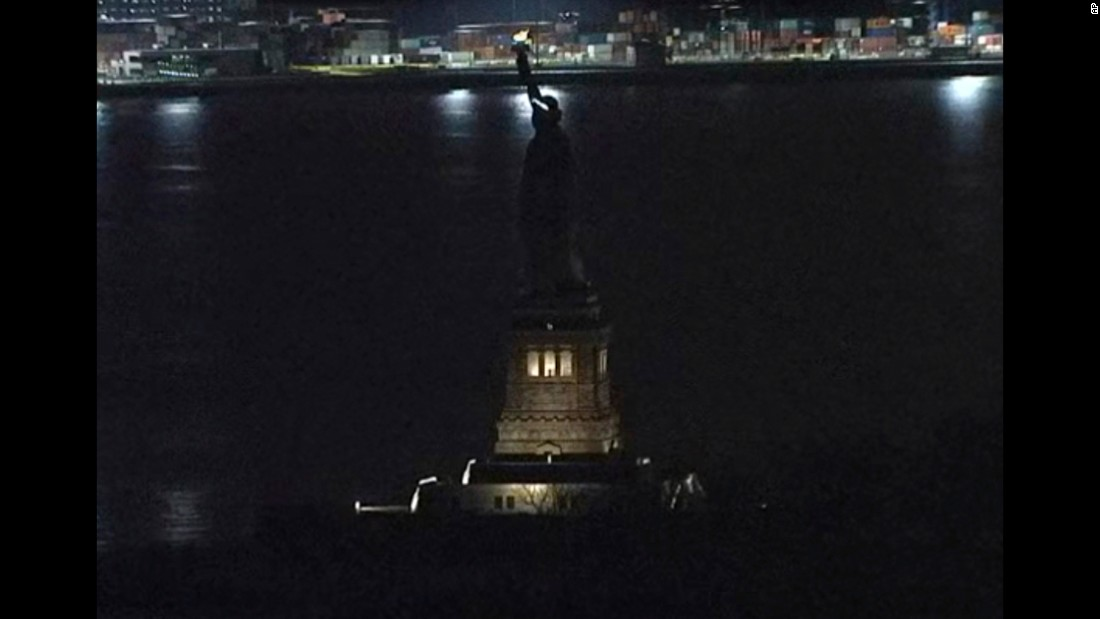 "The lights around the Statue of Liberty went dark for at least two hours on Tuesday, March 7. The <a href=""http://www.cnn.com/2017/03/08/us/statute-of-liberty-dark-trnd/"" target=""_blank"">""temporary, unplanned outage""</a> occurred after a lighting system controller was turned off to change faulty lighting equipment, according to Jerry Willis of the National Park Service."