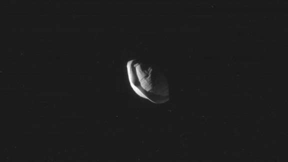 These raw, unprocessed images of Saturn