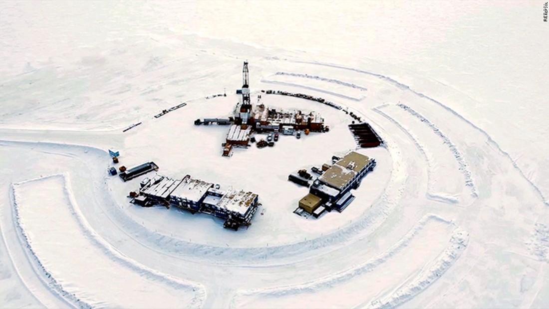 Despite shutdown, Interior holds meetings on opening Alaskan land for oil leases