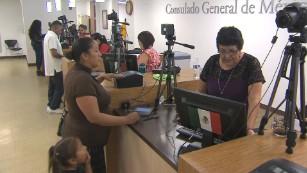 Undocumented Mexicans seek dual citizenship for children - CNN