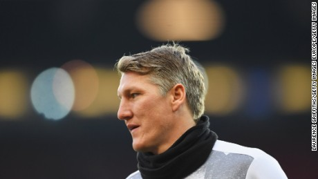 MANCHESTER, ENGLAND - JANUARY 29:  Bastian Schweinsteiger of Manchester United warms up prior to the Emirates FA Cup Fourth round match between Manchester United and Wigan Athletic at Old Trafford on January 29, 2017 in Manchester, England.  (Photo by Laurence Griffiths/Getty Images)