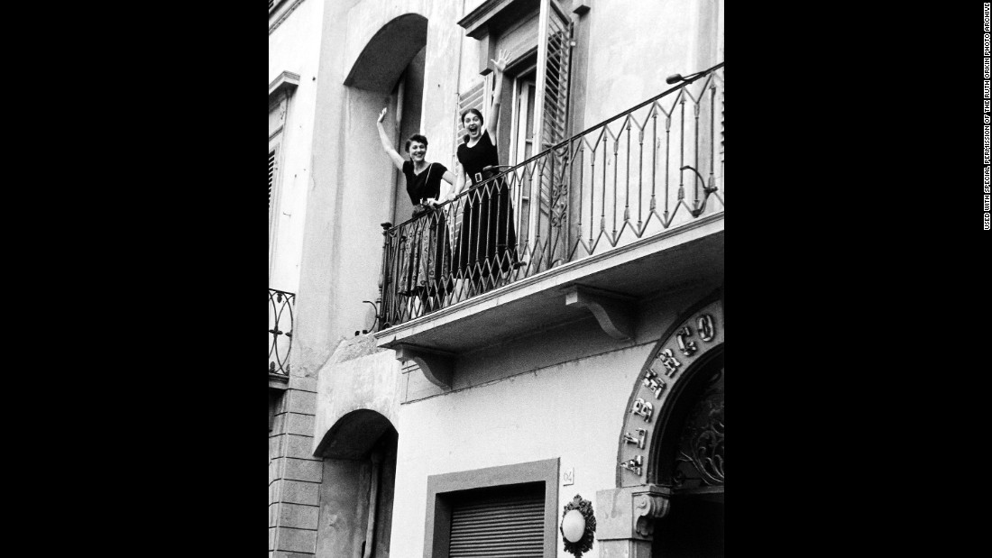 Ruth Orkin and Jinx together in Florence.
