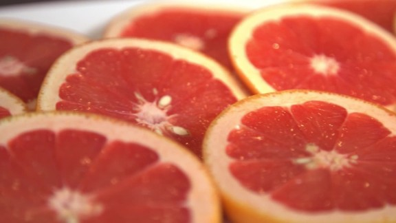 Grapefruit is a good source of vitamin C, which may help reduce the severity of a cold.