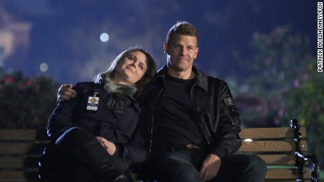 Bones' star Emily Deschanel breaks down the final episode - CNN