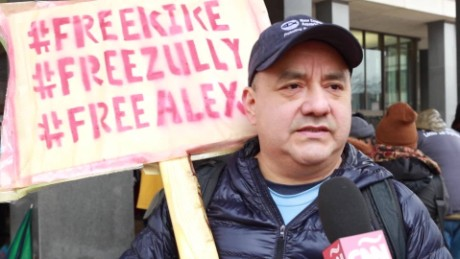 cnnee pkg o berg boston alex carrillo zully palacios enrique baltazar arresto ice activistas_00015519