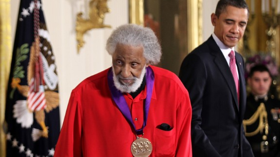 Jazz musician Sonny Rollins steps off the stage after he was presented with the 2010 National Medal of Arts by President Barack Obama on March 2, 2011 at the White House.