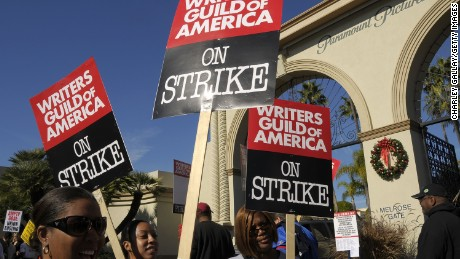 Strikers march at the Writer's Guild of America's 'Diversity Day' at Paramount Pictures studio on December 12, 2007 in Los Angeles.