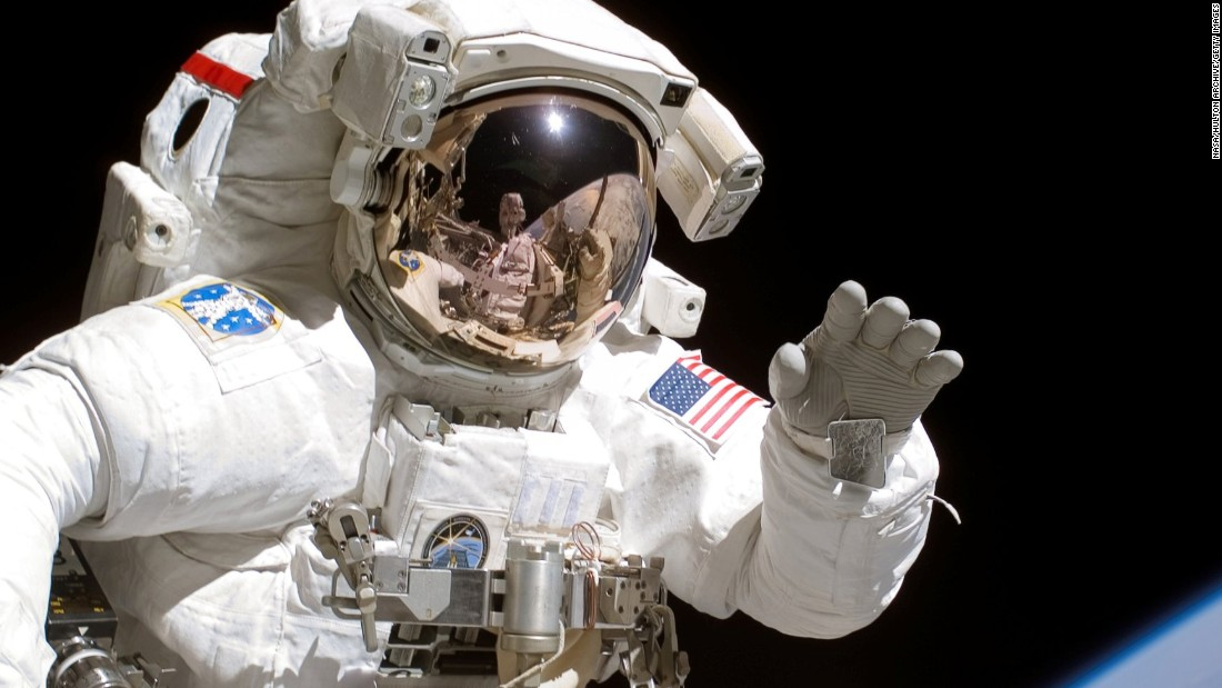 astronaut space walk - photo #18