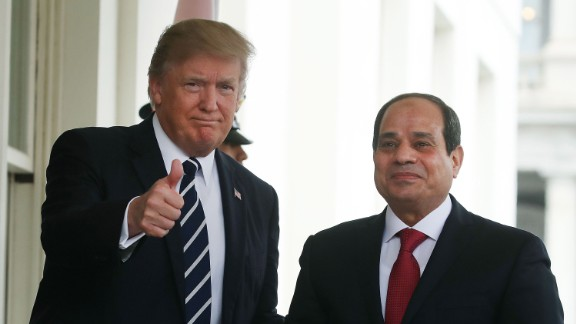 WASHINGTON, DC - APRIL 03: U.S. President Donald Trump welcomes Egyptian President Abdel Fattah Al Sisi during his arrival at the West Wing of the White House on April 3, 2017 in Washington, DC. President Trump and President Al Sisi are scheduled to participate in an expanded bilateral meeting. (Photo by Mark Wilson/Getty Images)