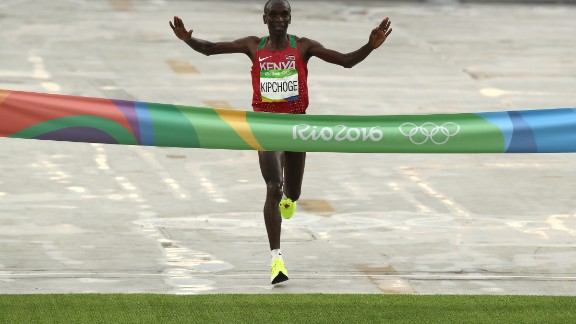 Eliud Kipchoge wins the gold at last year