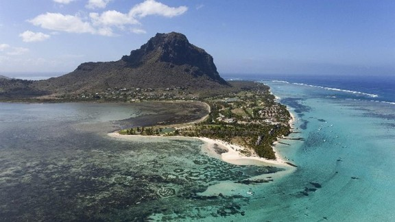 <strong>Le Morne: </strong>The mountain at Le Morne was once a refuge for escaped slaves. With cliffs on three sides, the beautiful mountaintop provided an easily defensible site.