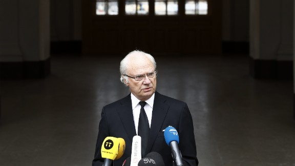 King Carl XVI Gustaf of Sweden makes a statement on April 8, 2017 in Stockholm, the day after the truck attack.