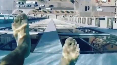Glass bottom pool will give you heebie jeebies cnn video - Glass bottom pool ...