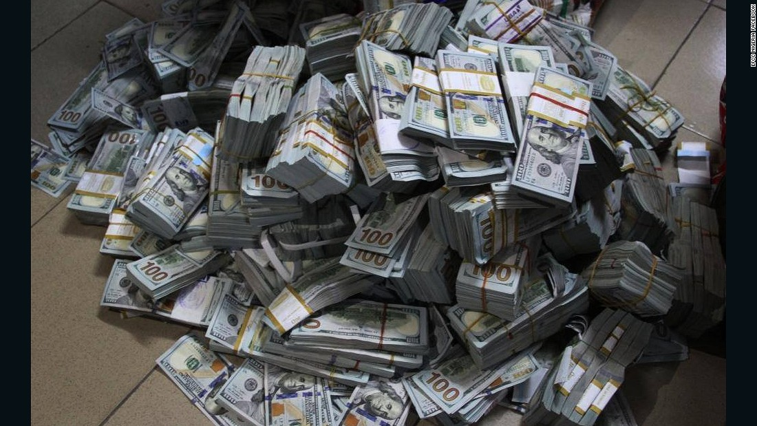 Nigerian Anti Corruption Unit Finds 43 Million In Cash Lagos Apartment Cnn