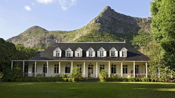 <strong>The Creole House, Eureka: </strong>Located at the base of Le Pouce mountain, The Creole House in Eureka is a gorgeous colonial home with a restaurant serving great Mauritian food.