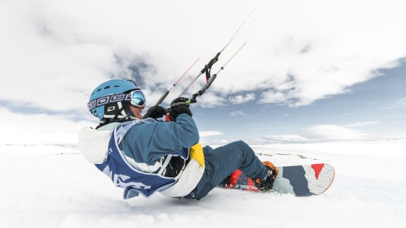 The race takes place on Hardangervidda, a Norwegian national park  devoid of power lines and tall buildings, ideal for the sport.