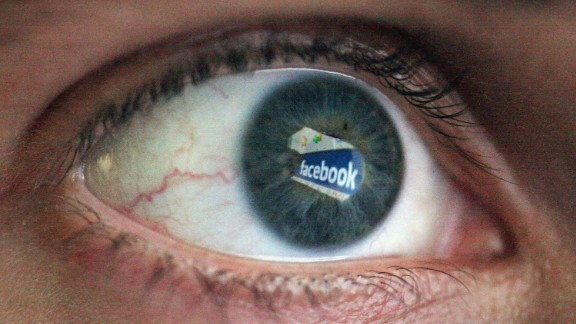 LONDON, ENGLAND - MARCH 25: In this photo illustration the Social networking site Facebook is reflected in the eye of a man on March 25, 2009 in London, England. The British government has made proposals which would force Social networking websites such as Facebook to pass on details of users, friends and contacts to help fight terrorism. (Photo by Dan Kitwood/Getty Images)
