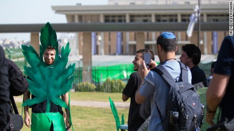 Green was a popular color outside the Knesset in Jerusalem.