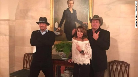 Palin receiving backlash for White House photo