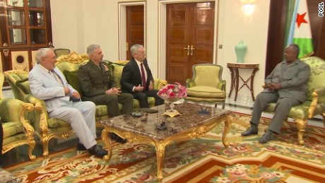 defense secretary visits djibouti sevenzo looklive_00000904
