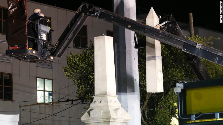 New Orleans removes Confederate monument