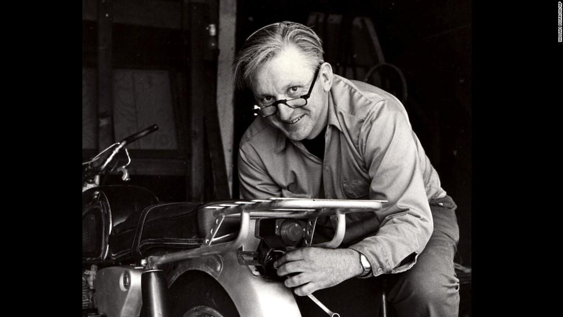 Robert M Pirsig Zen And The Art Of Motorcycle Maintenance Author