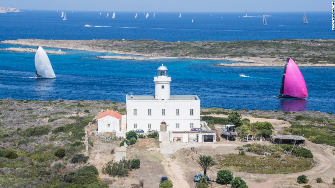 The peninsula of Capo Ferro takes the name from the lighthouse and signals the fleet is heading closer to Porto Cervo.
