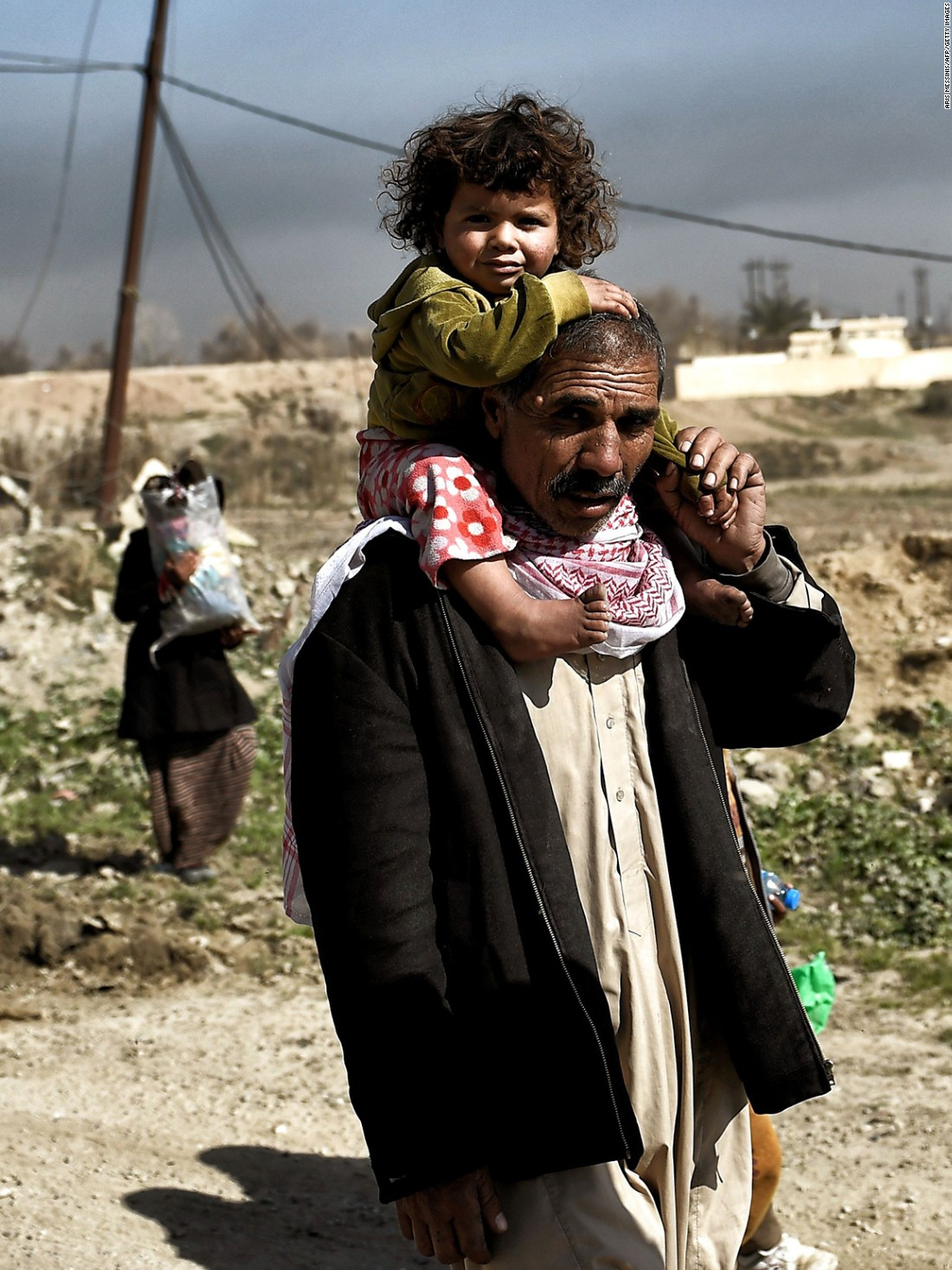 300,000: Mosul's displaced