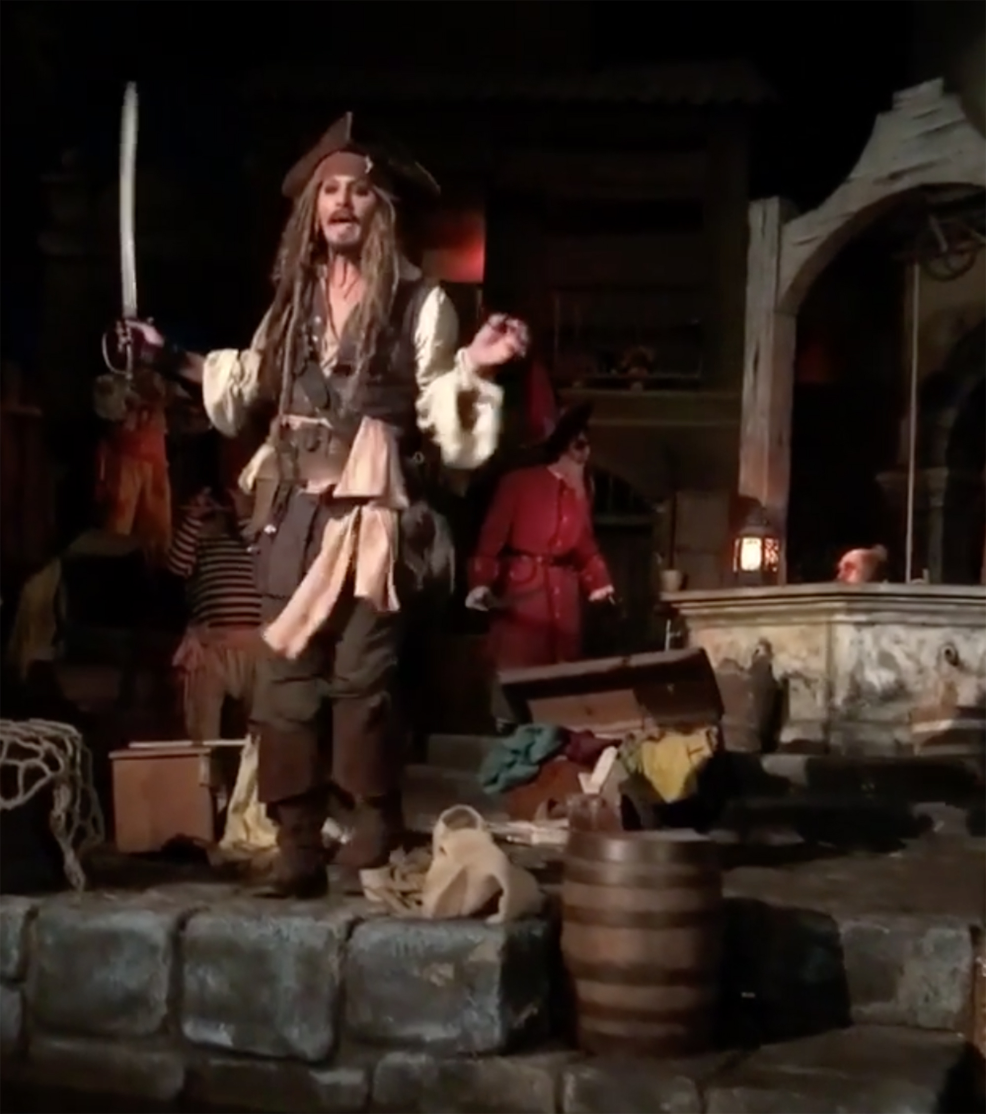 Johnny Depp Turns Up At Disneyland As Capt. Jack Sparrow (and Fans Lose It)  | CNN Travel